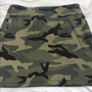 MAKE AN OFFER‼️ Silence and Noise Mini Skirt Jrs L